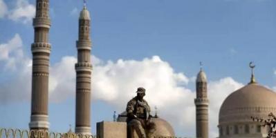 """نفور شعبي من طائفية الحوثي.. """"منابر"""" تطرد زُوَّار المساجد"""