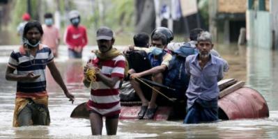 مقتل 17 وتشريد عشرات الآلاف بسبب الفيضانات في سريلانكا