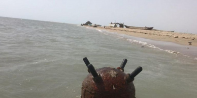 في جزيرة حنيش الكبرى.. ألغام بحرية حوثية تهدد الملاحة الإقليمية