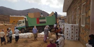 قوافل الخير الإماراتية تصل إلى جوة شرق سقطرى (صور)