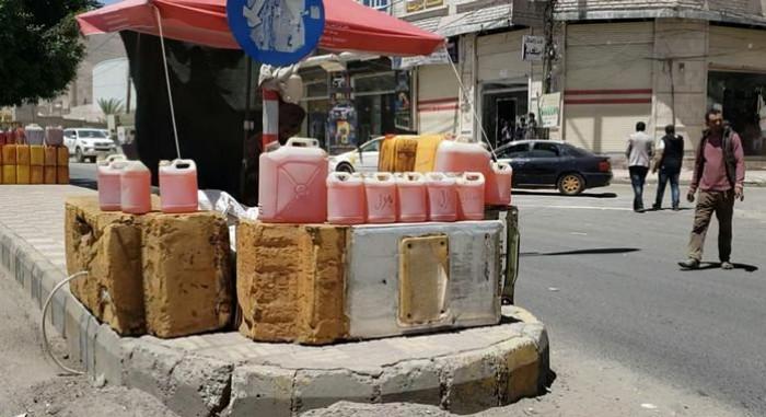 ماذا يجني الحوثيون من أسواق الوقود السوداء؟