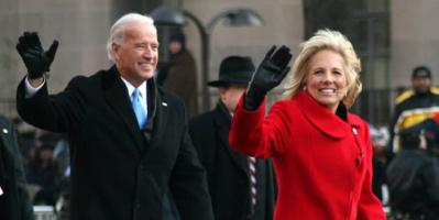 الرئيس الأمريكي وزوجته يبدأن أول جولة خارجية إلى أوروبا