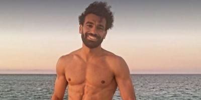 صلاح ينشر صورا جديدة من إجازته الصيفية في مصر