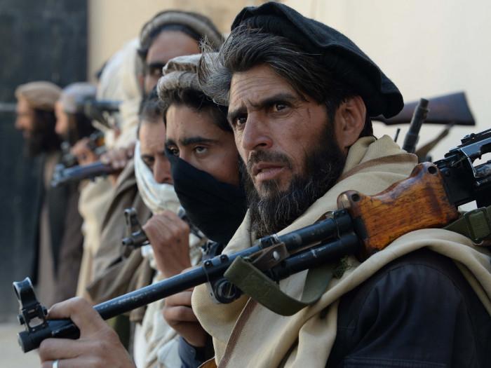طالبان تُحذر كافة القوات الأجنبية من البقاء في أفغانستان