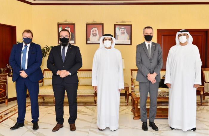 أبو ظبي وبولندا تبحثان سبل تعزيز التعاون الاستثماري والتجاري