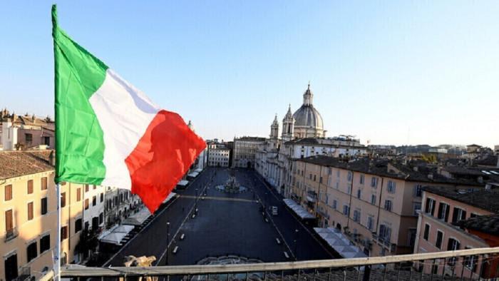بالأرقام.. إيطاليا تُسجل تراجعًا في إصابات ووفيات كورونا