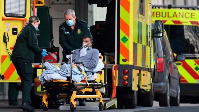بريطانيا تُسجل 12 وفاة و7738 إصابة جديدة بكورونا