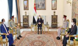 السيسي ورئيس الأركان الباكستاني يبحثان التعاون الأمني والعسكري