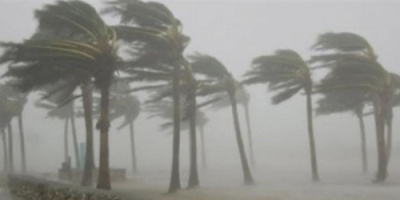 طقس مغبر على المناطق الساحلية ورياح شديدة بسقطرى