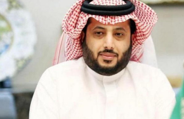 من كلماته وغناء راشد الماجد.. آل الشيخ يهدي رشيد طه أغنية