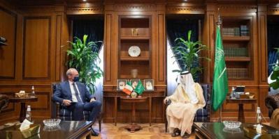 الجبير ووزير الخارجية الأيرلندي يبحثان العلاقات الثنائية بين البلدين