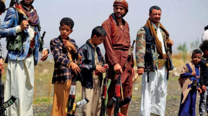 توسع حوثي في التجنيد القسري.. كيف تساوم المليشيات طلبة المدارس على مستقبلهم؟