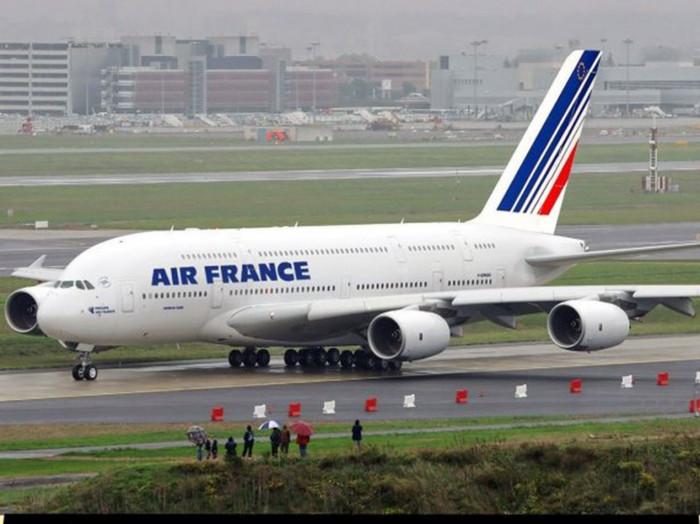 قبل صولها لنيويورك.. هبوط اضطراري لطائرة فرنسية