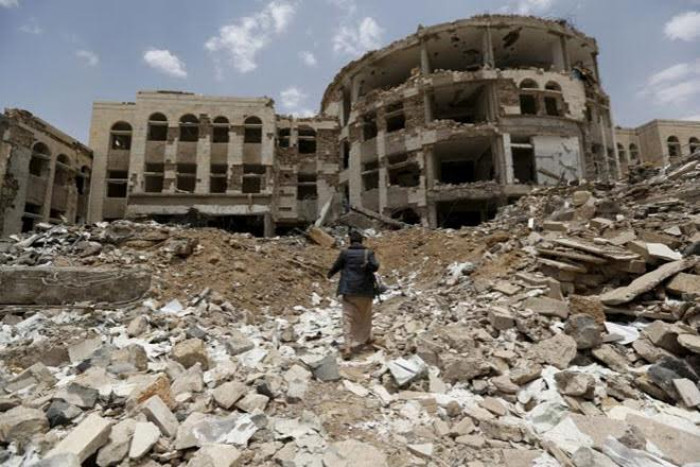 """حراك دولي لوقف الحرب في اليمن.. وتحايل حوثي على """"الخطط المعروضة"""""""