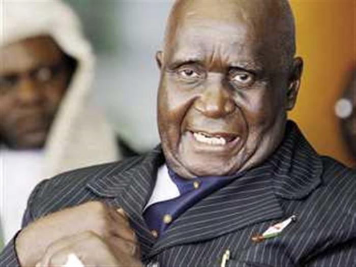 عن عمر 97 عامًا.. وفاة أول رئيس لزامبيا