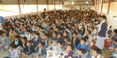 حرب وقودها الأطفال.. الحوثيون يحشدون ضحايا المراكز الصيفية إلى الجبهات