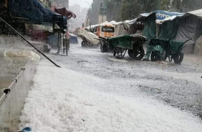 الثلوج تكسو شوارع إب