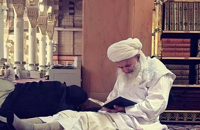 وفاة أحد أشهر رواد المسجد الحرام عن عمر 107