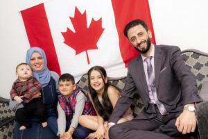 كندا تعلن قبولها المزيد من اللاجئين وأسرهم