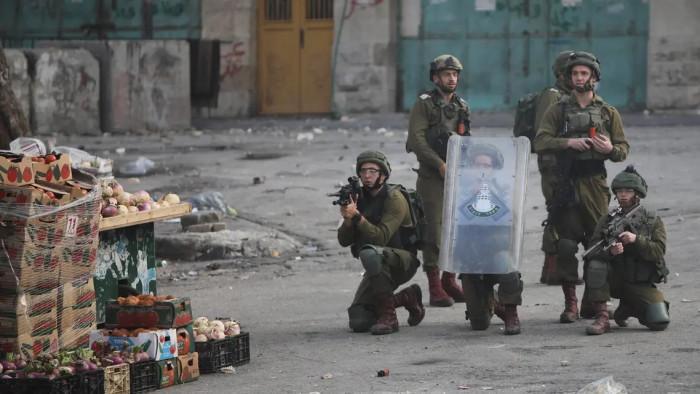 إصابة فلسطينيين أثناء اقتحام الشرطة الإسرائيلية لحفل زفاف
