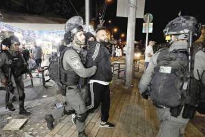 اعتقال 3 فلسطينيين وإصابة آخرين خلال وقفة بالقدس
