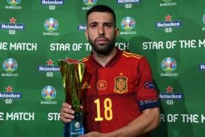 ألبا يفوز بجائزة رجل مباراة إسبانيا وبولندا