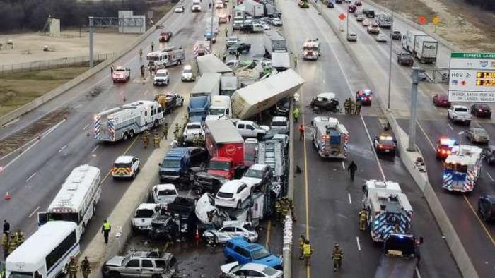 بسبب عاصفة.. مصرع 9 أطفال في تصادم 15 سيارة بأمريكا