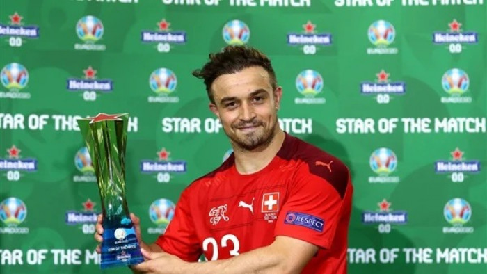 شاكيري أفضل لاعب في مباراة سويسرا وتركيا