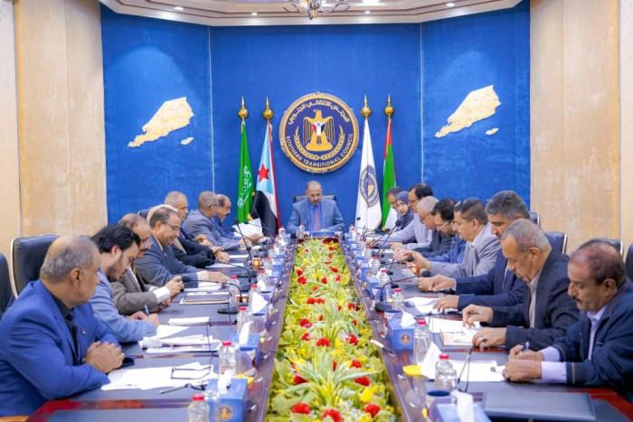 الانتقالي: الشرعية الإخوانية ترفض عودة الحكومة إلى عدن