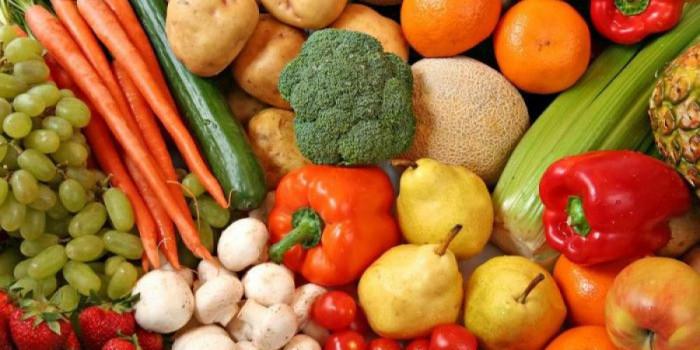ثبات أسعار الخضروات والفواكه بأسواق عدن اليوم الثلاثاء