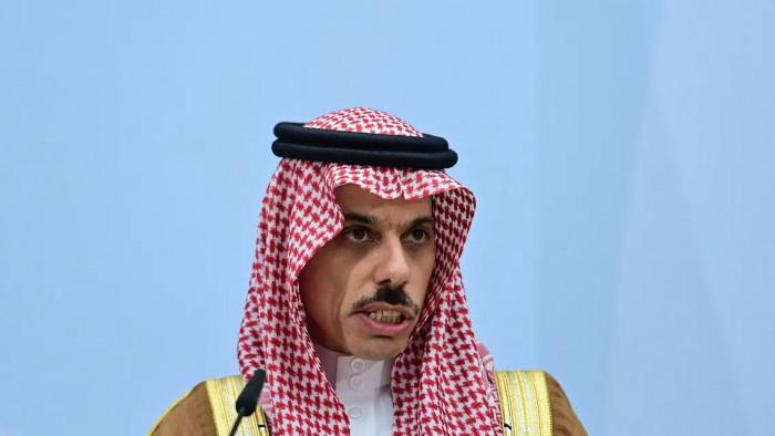 بن فرحان: رفض حوثي لمبادرة وقف النار
