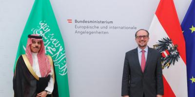 بن فرحان: ناقشت سبل تطوير التعاون مع وزير خارجية النمسا