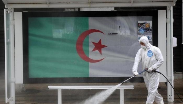 الجزائر.. 10 وفيات و370 إصابة بكورونا