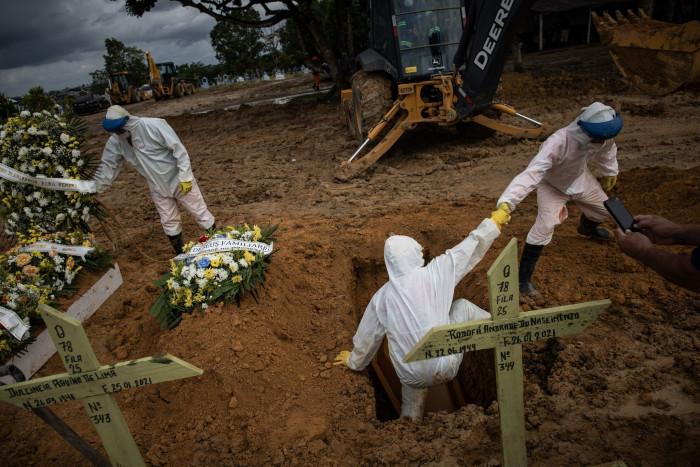 البرازيل تسجل 868 وفاة و34 ألف إصابة بكورونا