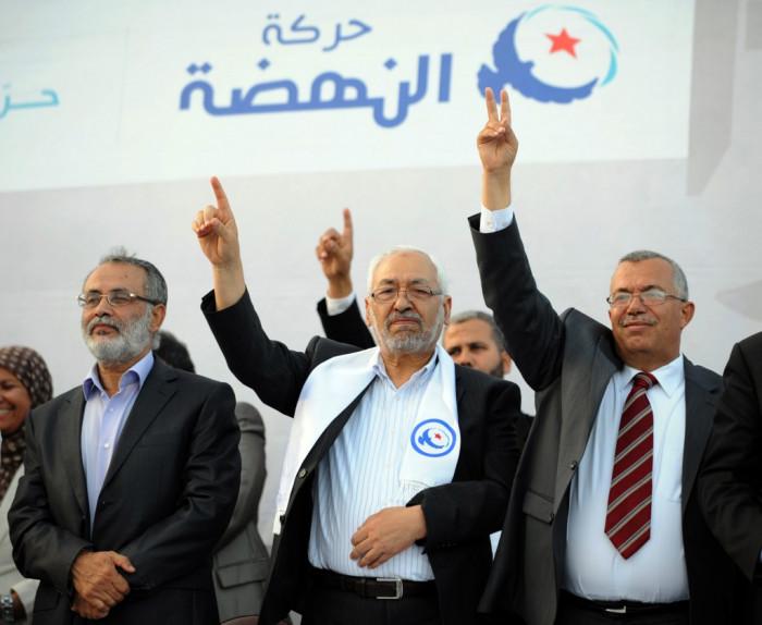 """""""جريمة حرب إخوانية"""".. يغتالون الشعب التونسي بـ""""أمصال كورونا"""""""