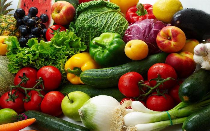 استقرار أسعار الخضروات والفواكه بأسواق العاصمة عدن اليوم الخميس