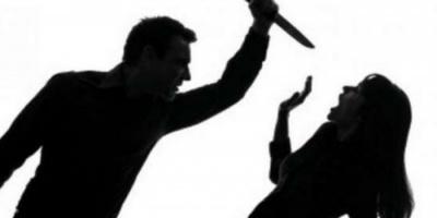 واقعة مؤلمة.. مصري يقتل زوجته بـ11 طعنة