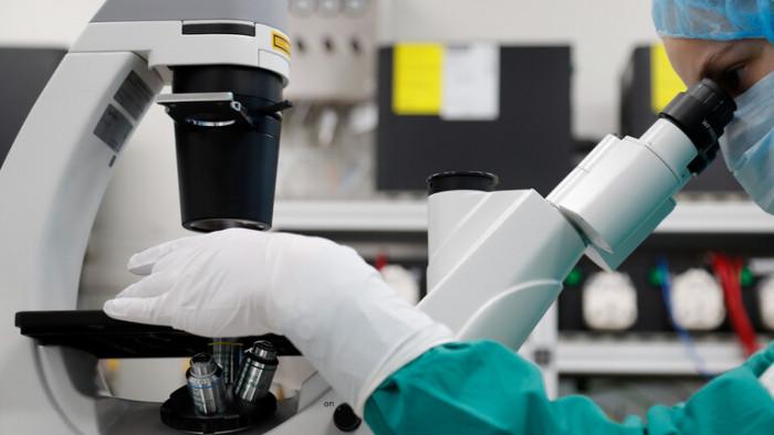 بريطانيا تعلن ظهور سلالة جديدة من فيروس كورونا