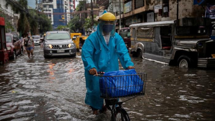 إجلاء أكثر من 13 ألف شخص في الفلبين بسبب الفيضانات