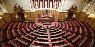 الشيوخ الفرنسي يقر قانونًا لتوسيع نطاق التلقيح الإجباري