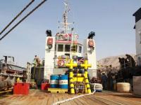 الإمارات تُزود ميناء المكلا بقاطرة بحرية جديدة