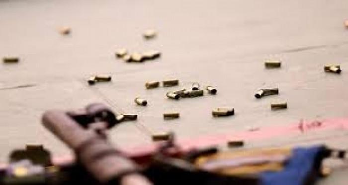 هروب مسلح قتل وجرح مواطنين بتبن