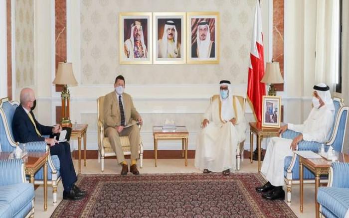 البحرين وبريطانيا يناقشان سبل تطوير العلاقات