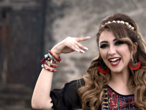 آية عبد الله تكشف عن أعمالها المقبلة