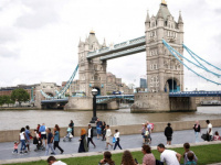 """واشنطن بوست: تراجع إصابات كورونا في بريطانيا """"لغز"""""""