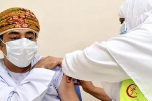 بعد انخفاض إصابات كورونا.. عمان تقلص مدة إغلاق الأنشطة التجارية