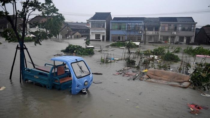 الصين: ارتفاع عدد ضحايا الفيضانات إلى 99 قتيلًا