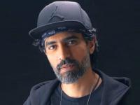 محمد علاء يشكر الإمارات بعد حصوله على الإقامة الذهبية