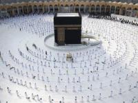 بـ10 لغات.. السعودية ترد على أسئلة المعتمرين خلال موسم العمرة