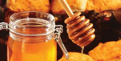 العسل الأبيض.. كنزٌ لا يقدر بثمن